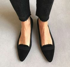Tis the season to shop and these look like the perfect pair to get me through the day! #shoefetish #shoefetishmovement #soar