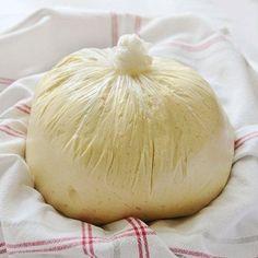 Těsto, které připravíte za 10 minut a uděláte z nej výborné muffiny, koléče a tu vůni budete cítit po celém domě!