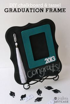 Make your own Photo Frame with Tassel holder for an easy Graduation Gift! #graduation #gift #DIY www.sisterssuitcaseblog.com
