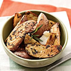 Rosemary-Roasted New Potatoes: Stick to low-purine fare to have a tasty meal without triggering a gout attack or making a flare-up worse.