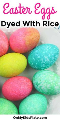 Make pretty speckled Easter Eggs and learn how to dye hard boiled eggs with rice and food coloring! These easy, low mess eggs are so much fun for kids with a super easy clean up after the fun. Making Easter Eggs, Easter Egg Dye, Easter Egg Crafts, Easter Candy, Kid Crafts, Food Coloring Egg Dye, Coloring Easter Eggs, Easter Activities For Toddlers, Kid Activities