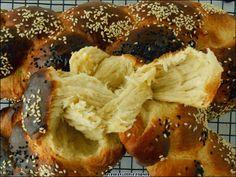 "Elpida's Little Corner!: "" Τσουρέκια χωρίς Ζύμωμα "" Cheesesteak, French Toast, Breakfast, Ethnic Recipes, Food, Greek, Morning Coffee, Essen, Eten"