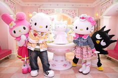 This Week in Travel: Hello Kitty is Not a Cat, Extreme Selfies ...