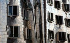 Un recorrido visual por la obra de Frank Gehry, el maestro de la arquitectura deconstruida