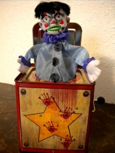 Jack In The Box Toy Evil Bloody jack in the box Halloween Clown, Halloween Jack, Disney Halloween, Pop Goes The Weasel, Props For Sale, Creepy Toys, Jack In The Box, Evil Clowns, Horror Art