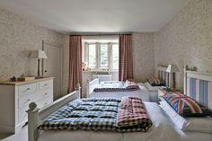 wallpaper curtains duvet topper