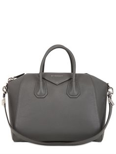 Medium Antigona Grained Leather Bag