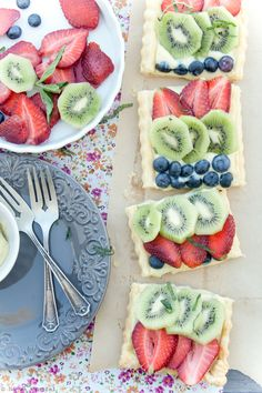 Fruit Tart with Cardamom Cream from Delicious Shots