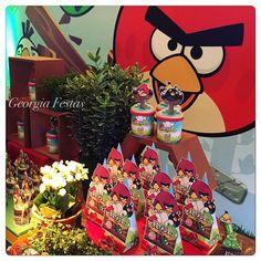 A festa do Angry Birds ja começou. O tema novo está lindo. Estamos muito felizes, missão cumprida, o aniversariante Arthur adorou!!!  #angrybirds #festalinda #detalhesdafesta #decorbygeorgiafestas #georgiafestas #festademenino #festadoarthur #celebrandoavida