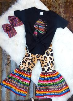 Cheetah Serape Baby Bell Bottoms - Girl's Outfits – Glimmering Roots Source by - Western Baby Girls, Western Baby Clothes, Hipster Baby Girls, Cute Baby Clothes, Country Baby Clothes, Western Baby Pictures, Cowboy Baby, Camo Baby, Babies Clothes