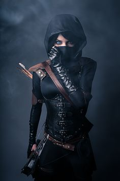 Cosplay found on Reddit. Something about it being a thief. I have no idea what it is, but it looks awesome!!