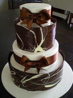 chocolate collar cake | Found on cakethat.blogspot.com