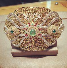 Les bijoux beldi chez Rafinity Arabic Jewelry, Moroccan Jewelry, Bangles, Bracelets, Decorative Bowls, Jewelery, Captain Hat, Fashion Jewelry, Gemstones