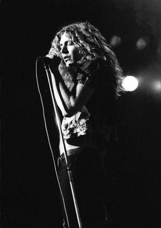 Led Zeppelin: Robert Plant 1972 by Ian Dickson Robert Plant Wife, Robert Plant Quotes, Robert Plant Young, Robert Plant Led Zeppelin, Jimmy Page, Pop Punk, Great Bands, Cool Bands, Beatles