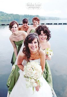 the green bridesmaid dresses go perfect with the Kelly Green Sand-Allz