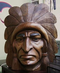American wooden sculpture at Miami Dremel Wood Carving, Wood Carving Art, Wood Carvings, Wooden Statues, Wooden Art, Whittling Wood, Tree Carving, Wood Carving Patterns, Tree Sculpture