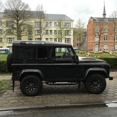 Defenders all around #landrover #landroverdefender #defender #d90 #defender90 #landy #4x4 #4wd #soloparking #carspotting #belgium by carspotz Defenders all around #landrover #landroverdefender #defender #d90 #defender90 #landy #4x4 #4wd #soloparking #carspotting #belgium