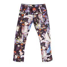 Carrie Underwood's New Activewear Line: Patterned Leggings