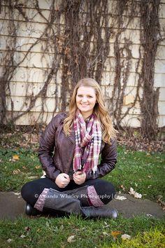 Senior girl pose.  Amanda Whitley Photography