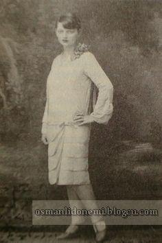 Osmanlı Hanedan Fotoğrafları V. Mehmed Reşad - Ömer Hilmi Efendi'nin Kızı Mukbile Sultan 1928