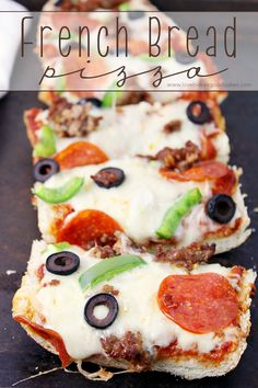 Add your favorite toppings to this French Bread Pizza for a quick, easy and fuss-free dinner idea the whole family will love! Have dinner on the table in 20 minutes! If there is one dinner Pizza Recipes, Cooking Recipes, Lunch Recipes, Breakfast Recipes, Dinner Recipes, French Bread Pizza, Flat Bread, Good Food, Yummy Food