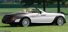 Rolls-Royce Hyperion Black-White