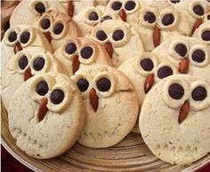 Owl cookies: Plain sugar cookies with extra small circles, chocolate chips and an almond. SO sweet. Owl Cookies, Sugar Cookies, Shortbread Cookies, Sweet Cookies, Yummy Cookies, Turkey Cookies, Peanut Cookies, Xmas Cookies, Halloween Cookies