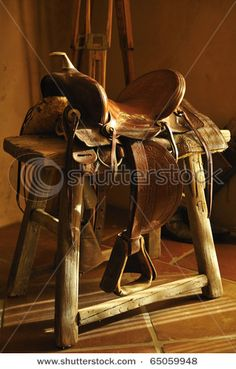 there will be a saddle as decoration in my house!