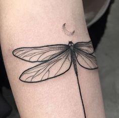 Ideas For Tattoo Designs Butterfly Dragon Flies Flying Tattoo, Bug Tattoo, Tatoo Art, Mini Tattoos, Body Art Tattoos, New Tattoos, Small Tattoos, Tatoos, Heart Tattoos