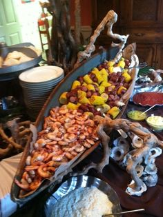 23 New Ideas Wedding Food Seafood Country Boil Shrimp Boil Party, Seafood Party, Seafood Boil, Crawfish Party, Seafood Recipes, Tapas, Fried Fish, Fish Fry, Coconut Curry