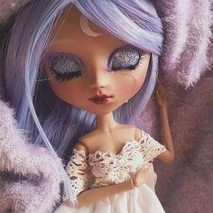 My Pullip custom inspired by Queen Serenity #Carmazin #doll #faceup #repaint #repainteddoll #pastel #dollstagram #dollwip #ooak #ooakdoll #customdoll #stars #purplehair #purpleeyes #glitter #wip #polishpullip #faceupartist #pullipmocha #mochapullip #pullipmiokit #queenserenity #serenity #sailormoon #moon