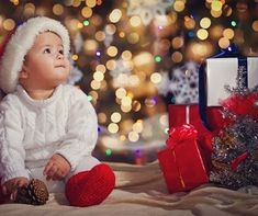 Vianoce sú nevyhnutnosť.🎄 Aspoň jeden deň v roku musí byť taký, aby nám pripomenul, ako sa máme k sebe správať a naplnil nám srdcia dobrotou, ktorú budeme potom šíriť aj počas nasledujúcich mesiacov.❤ Nech sa to podarí uskutočniť Vám aj Vašim blízkym. Krásne Vianoce Vám prajem 😘🤗 #vianoce #rodina #laska #deti #spolu #radost Jingle Bells, Winter Hats, Face, Instagram, The Face, Faces, Facial