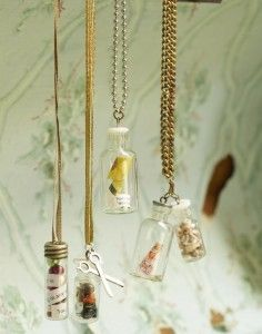 Mini mementoes in tiny glass vials Bottle Jewelry, Bottle Charms, Bottle Necklace, Jewelry Art, Home Crafts, Fun Crafts, Crafts For Kids, Glass Vials, Glass Domes