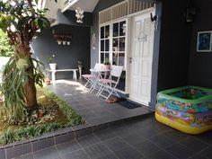 Keramik Teras Rumah Minimalis 2017 Porch And Terrace, Patio, Minimalis House Design, Porch Decorating, Cozy House, Great Rooms, My Dream Home, Exterior Design, Future House