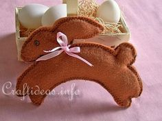 Google Image Result for http://www.craftideas.info/assets/images/Sewing_Craft_for_Easter_-_Felt_Easter_Bunny_Project.jpg