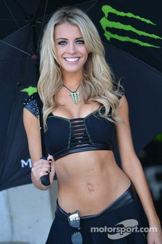 Lovely Monster girl at Indianapolis GP High-Res Professional Motorsports Photography Monster Girl, Monster Energy Girls, Grid Girls, Filles Monster Energy, Female Form, Female Models, Priscilla Barnes, Girls Twitter, Belly Shirts