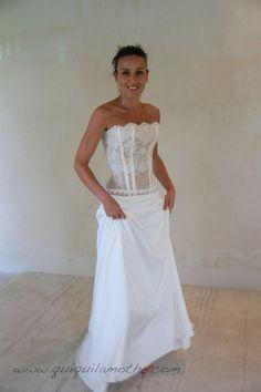 Robe de mariée bustier transparent dentelle originale.