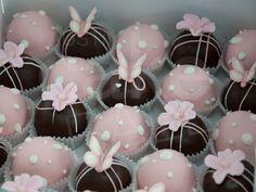 Beautiful cake balls from austincakeballs.com