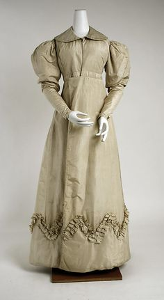 c. 1825 pelisse (front view), British, made of silk The Metropolitan Museum of Art 1972.139.6
