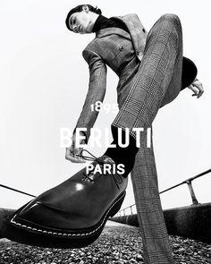 Fashion Photography Inspiration, Editorial Photography, Portrait Photography, Pose Reference Photo, Art Reference Poses, Foto Fashion, Paris Fashion, Poses References, Human Poses