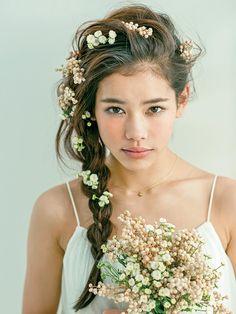 ヘア⑤ Wedding Hair Flowers, Flowers In Hair, Bridal Make Up, Wedding Make Up, Wedding Stuff, Headdress, Headpiece, Wedding Girl, Wedding Photography Styles