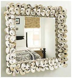 Marco de espejo con conchas de ostras