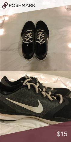 Nike shoes Nike running shoes. Very comfy with soft padding! Used but no flaws and in great condition! Fits 6-7 women's. Nike Shoes Athletic Shoes