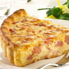 Easy Quiche Lorraine – the best recipes Quiches, Omelettes, Easy Quiche, Bacon Quiche, Quiche Lorraine Thermomix, Quiche Lorraine Recipe French, Salty Foods, Savory Tart, Quiche Recipes