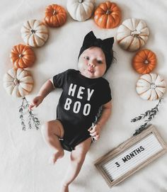 Halloween Baby Pictures, Baby Halloween Outfits, Fall Baby Pictures, Baby First Halloween, Funny Baby Pictures, Fall Baby Pics, Fall Baby Outfits, Baby Shower Pictures, Halloween Boo