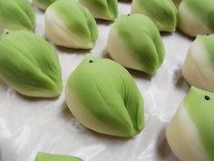 春の音(練り切り) 春の上生菓子 和菓子 茶菓子:田町梅月スタッフブログ 今日のおやつはなんだろな。
