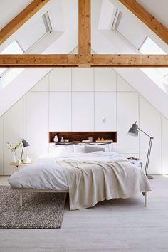81 Elegant and Minimalist White Bedroom Design Ideas - Decoralink Attic Bedrooms, Bedroom Loft, Dream Bedroom, Bedroom Decor, Bedroom Ideas, Master Bedroom, Eaves Bedroom, Bedroom Small, Bedroom Inspiration