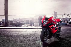 Suzuki GSXR 1000 - Follow me on Pinterest: TheCarMan
