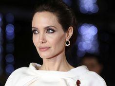 BLOG DA AMLEF: Angelina Jolie faz cirurgia para retirar ovários p...