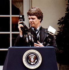 Dad on the job at the WhiteHouse #MichaelEvans